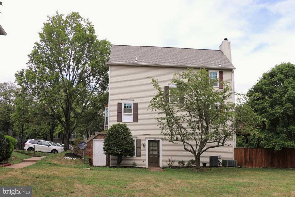 $319,000 - 2Br/1Ba -  for Sale in Winding Brook, Chantilly