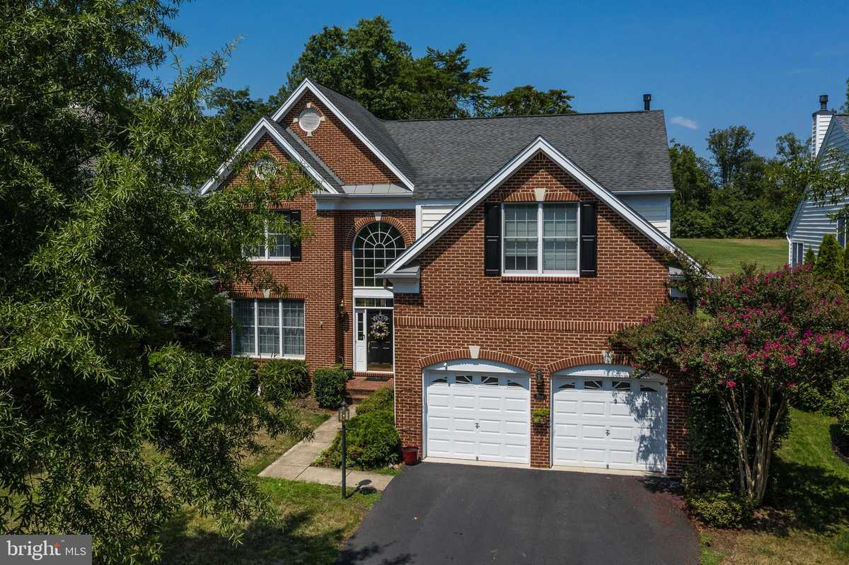 $799,900 - 4Br/4Ba -  for Sale in Dominion Valley Country Club, Haymarket