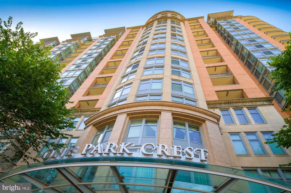 $540,000 - 1Br/2Ba -  for Sale in One Park Crest, Mclean