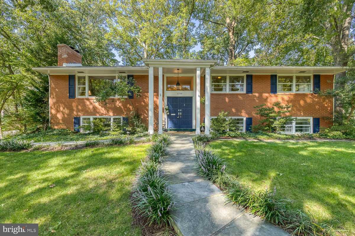 $895,000 - 5Br/3Ba -  for Sale in Lakewood, Falls Church