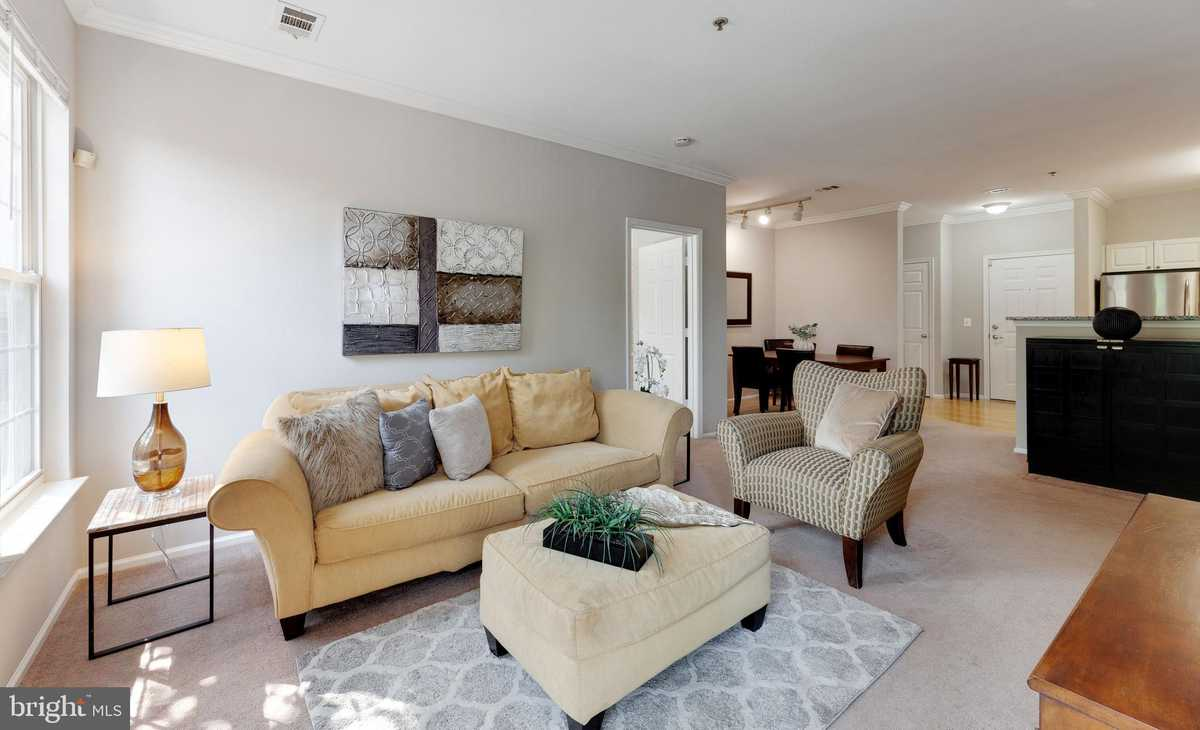 $389,990 - 2Br/2Ba -  for Sale in High Pointe At Jefferson, Falls Church