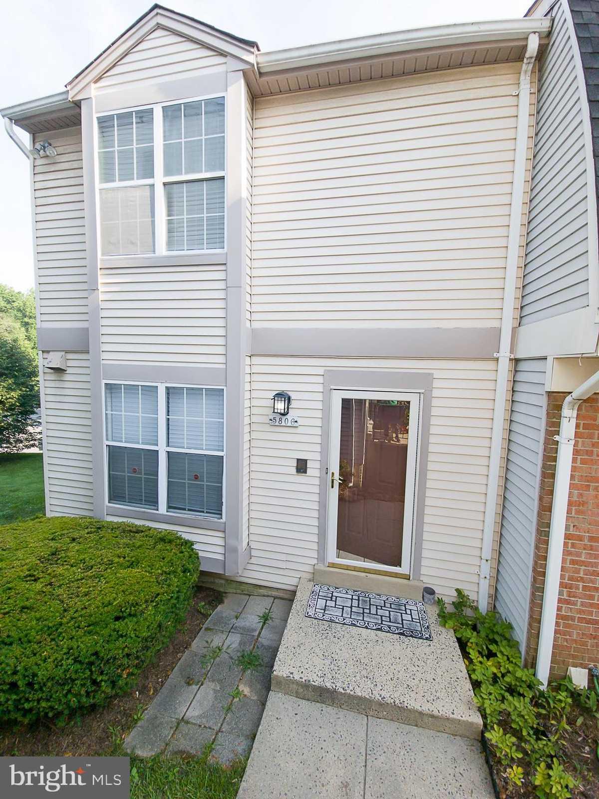$405,000 - 3Br/3Ba -  for Sale in Oakwood Commons, Burke