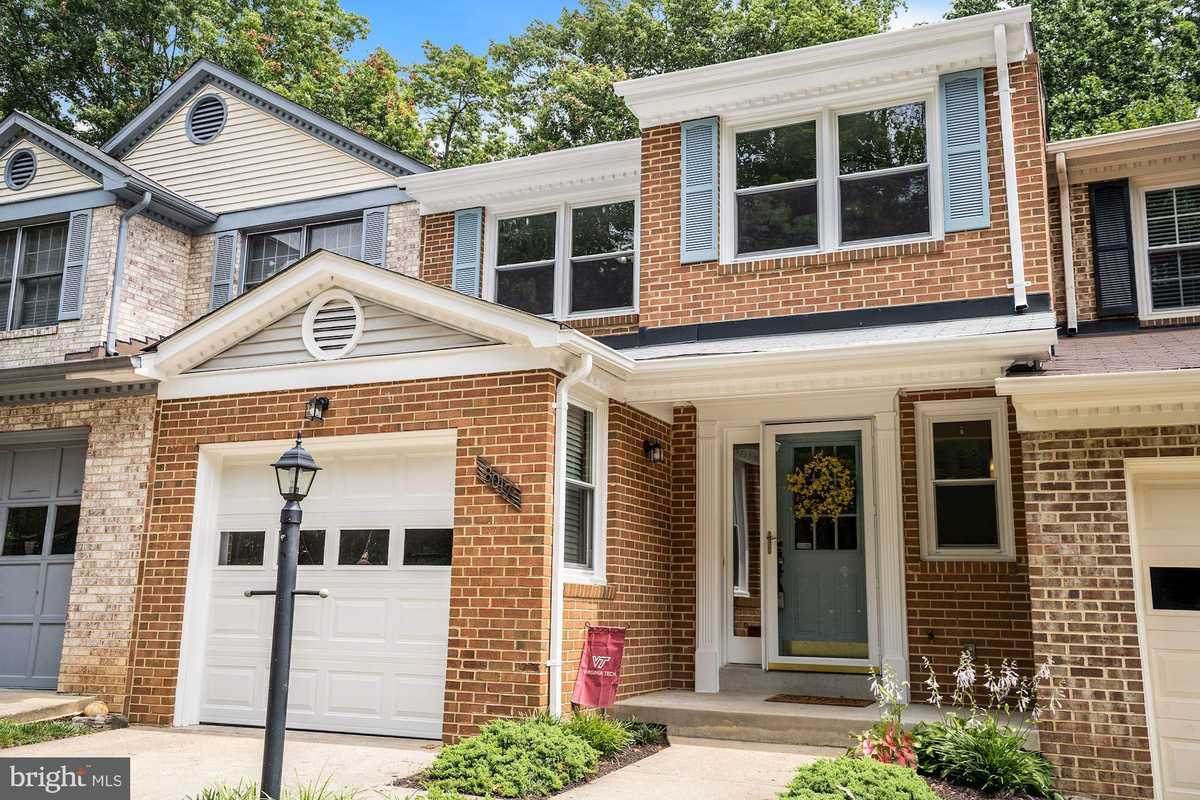 $600,000 - 3Br/4Ba -  for Sale in Somerset At South Run, Springfield