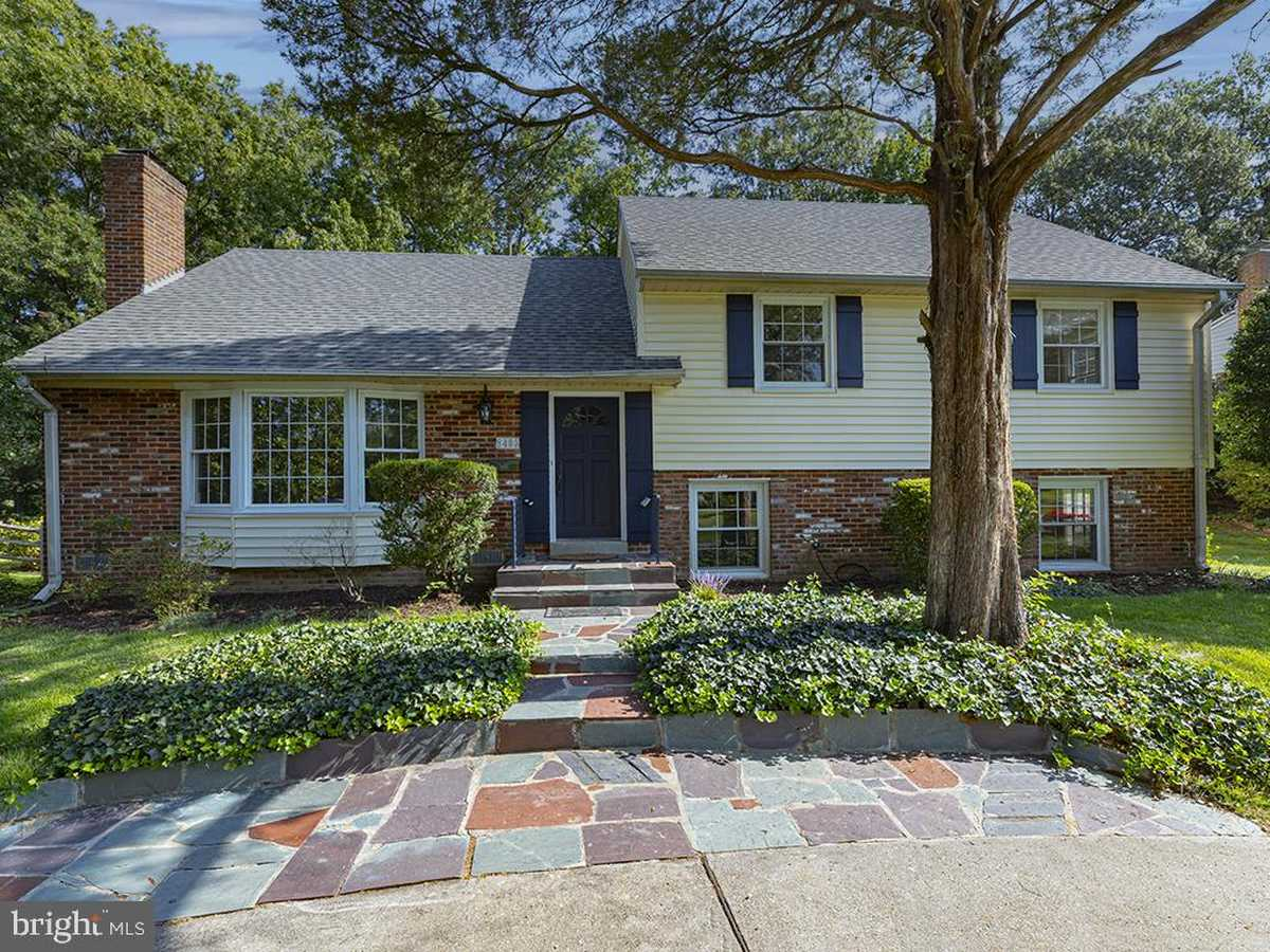 $899,900 - 4Br/3Ba -  for Sale in Collingwood On The Potomac, Alexandria