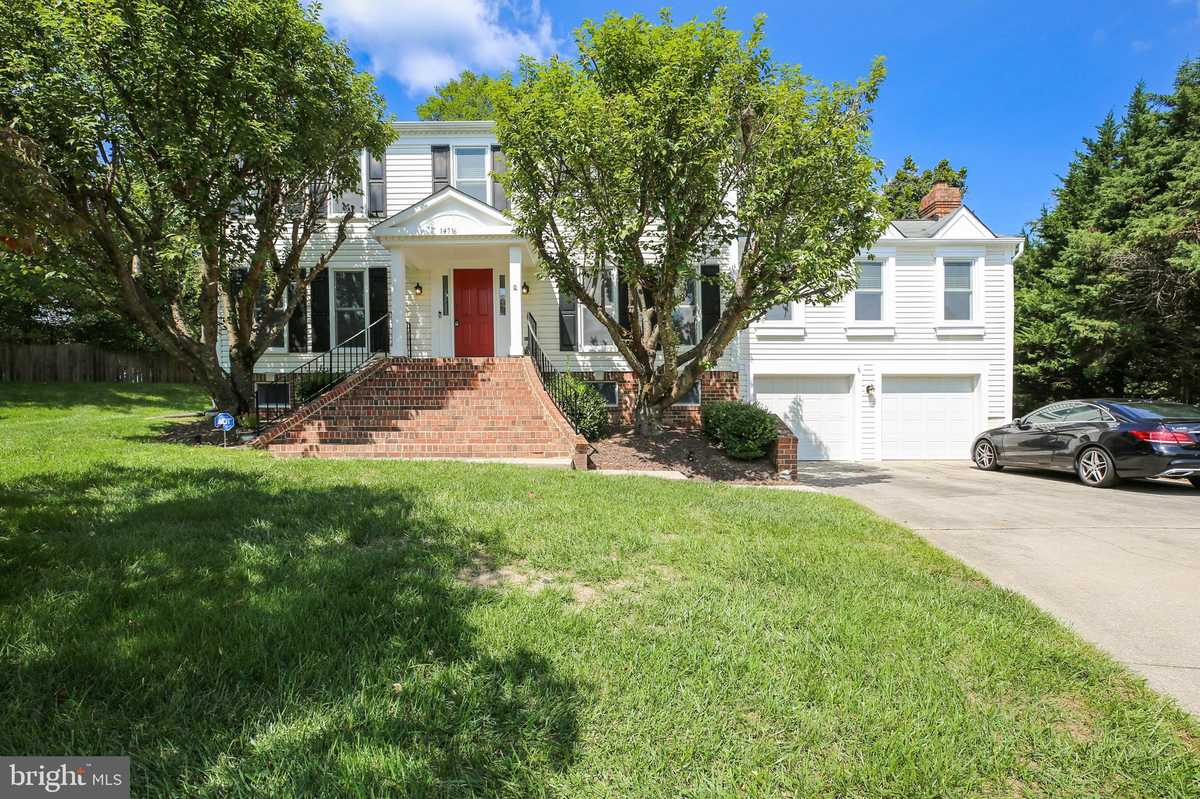$799,900 - 5Br/4Ba -  for Sale in Mills Farm, North Potomac