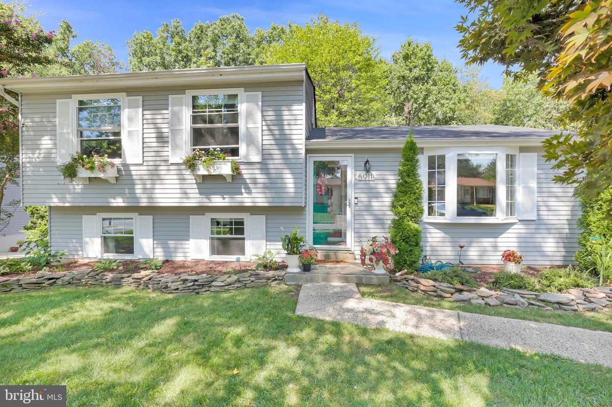 $575,000 - 3Br/2Ba -  for Sale in Cardinal Estates, Burke