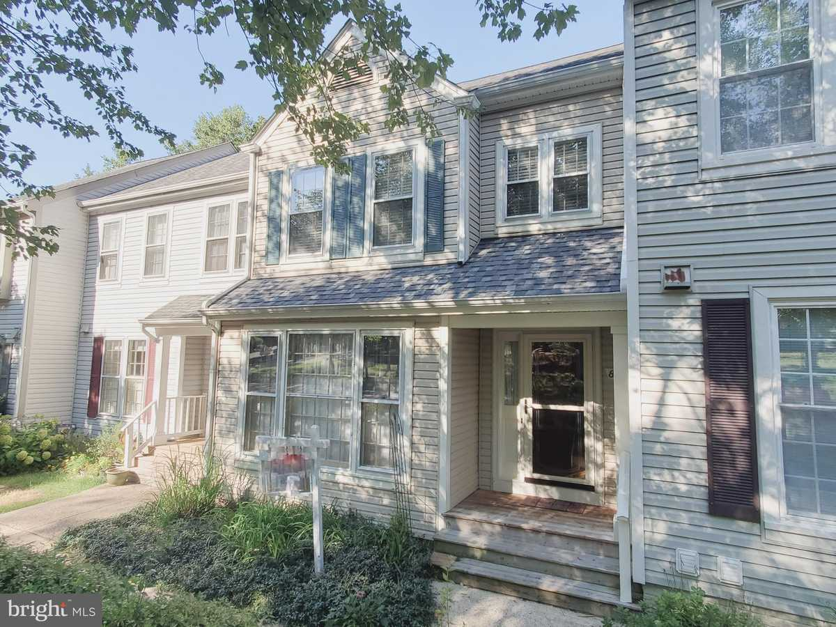 $474,900 - 2Br/3Ba -  for Sale in Forest View, Springfield