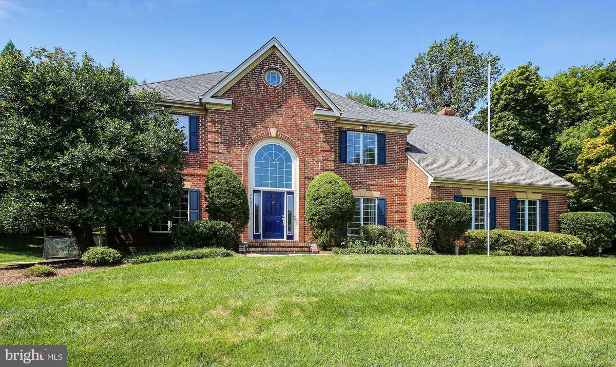 $1,100,000 - 4Br/4Ba -  for Sale in Myterra Manor, Oak Hill