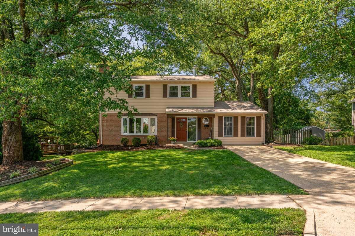 $735,788 - 4Br/3Ba -  for Sale in Springbrook Forest, Fairfax