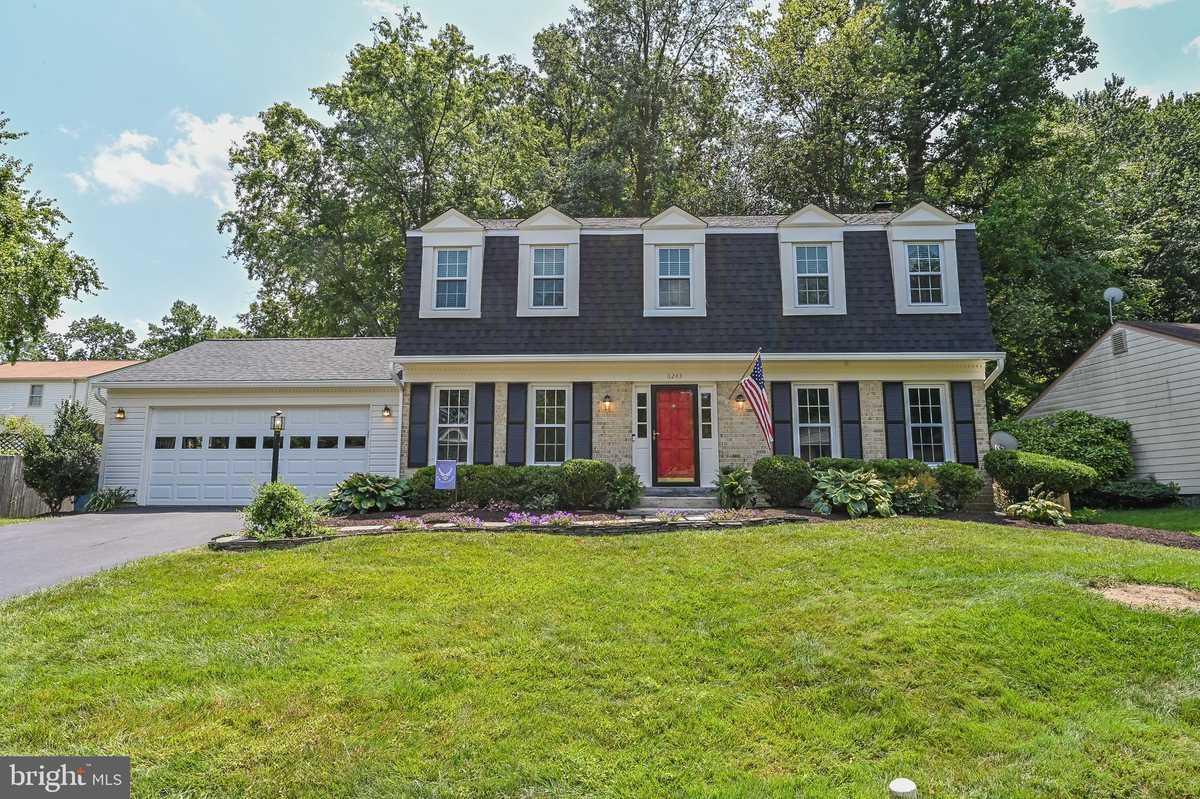$735,500 - 4Br/3Ba -  for Sale in Burke Ridge Cluster, Burke