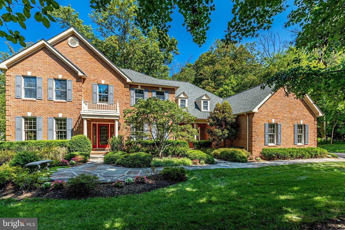 $1,690,000 - 5Br/7Ba -  for Sale in Great Falls Woods, Great Falls