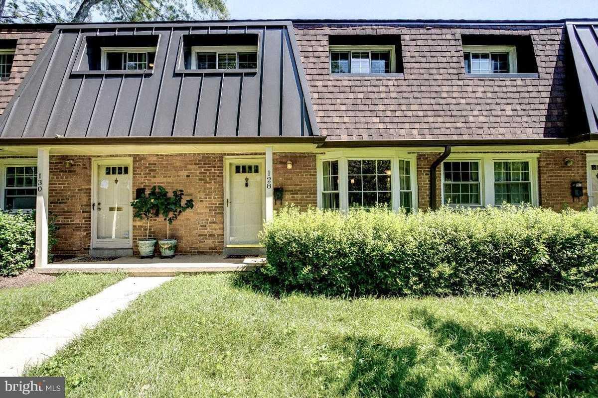 $530,000 - 3Br/2Ba -  for Sale in Winter Hill, Falls Church