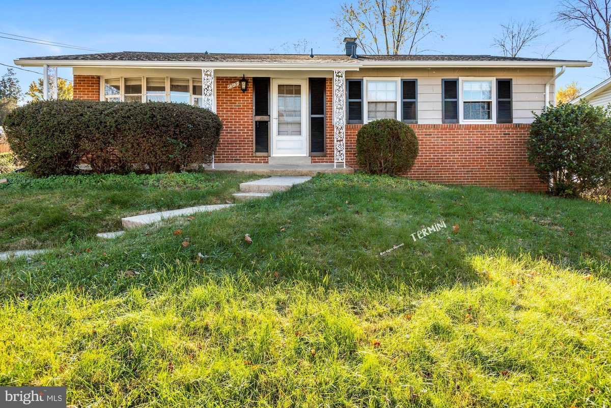 $3,100 - 3Br/2Ba -  for Sale in Dunn Loring Woods, Vienna