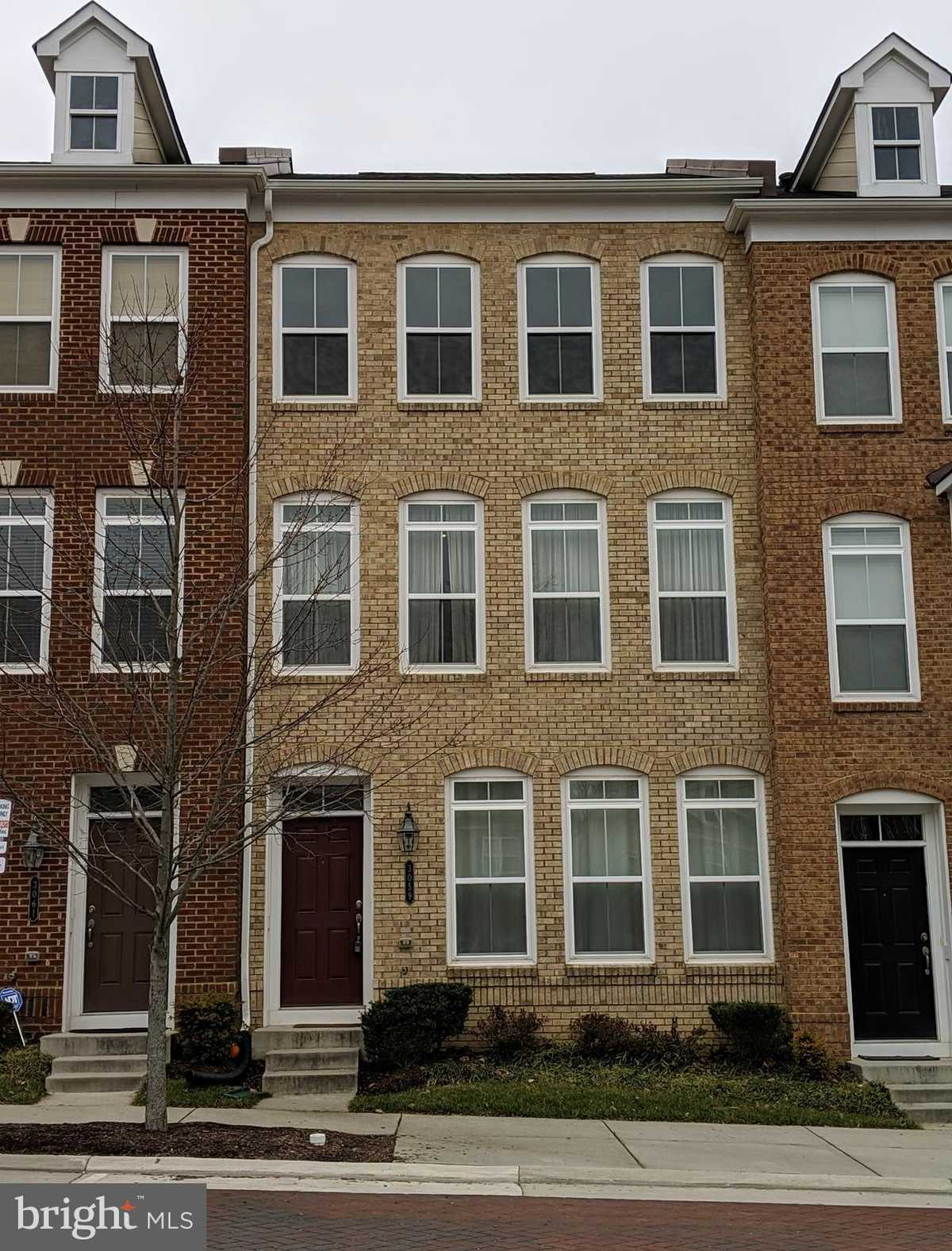 $3,300 - 3Br/4Ba -  for Sale in Metrowest, Fairfax