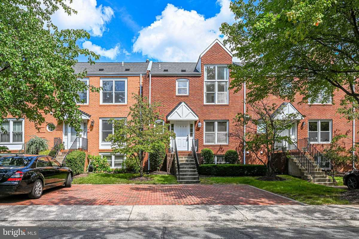$780,000 - 4Br/4Ba -  for Sale in Monticello Of Tysons, Vienna
