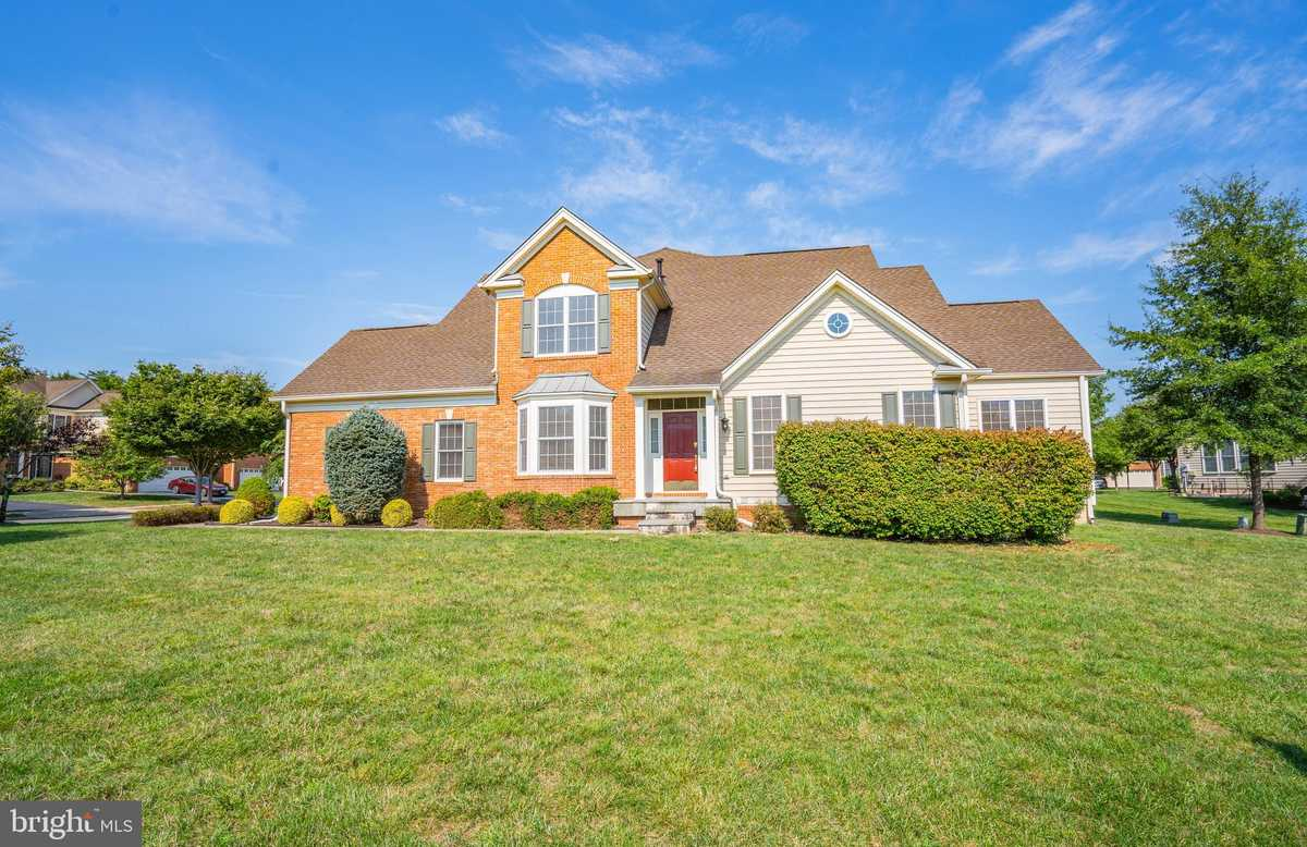 $649,900 - 4Br/4Ba -  for Sale in Dominion Valley Country Club, Haymarket