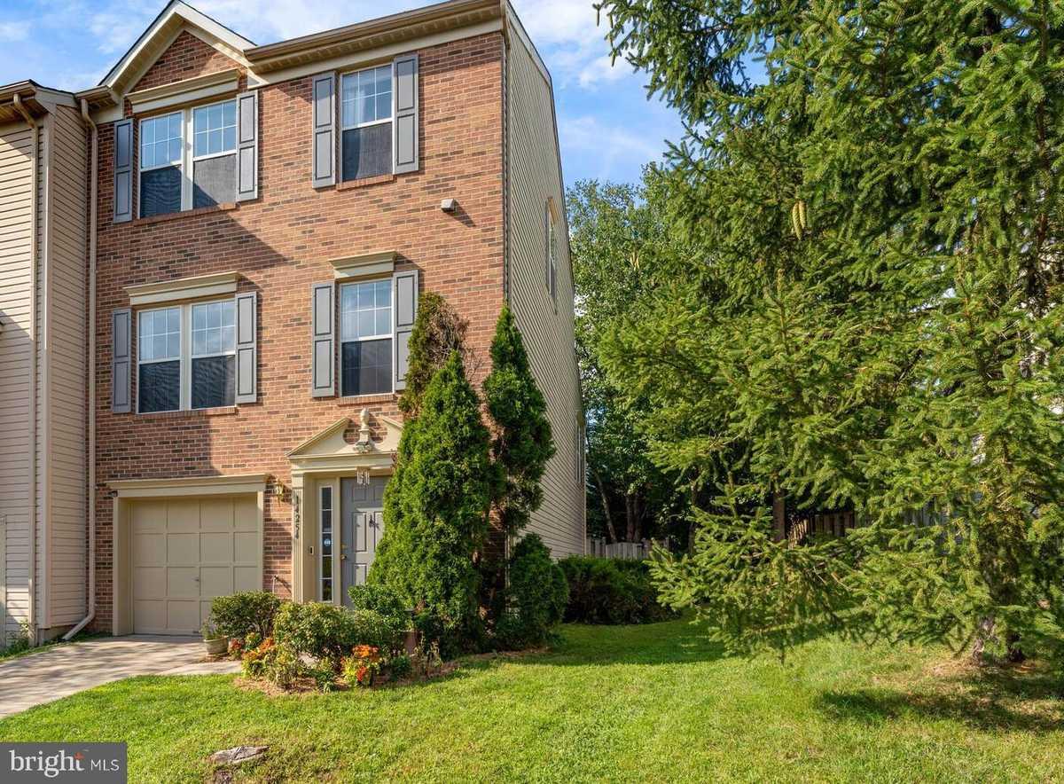 $525,000 - 3Br/3Ba -  for Sale in Centre Ridge, Centreville