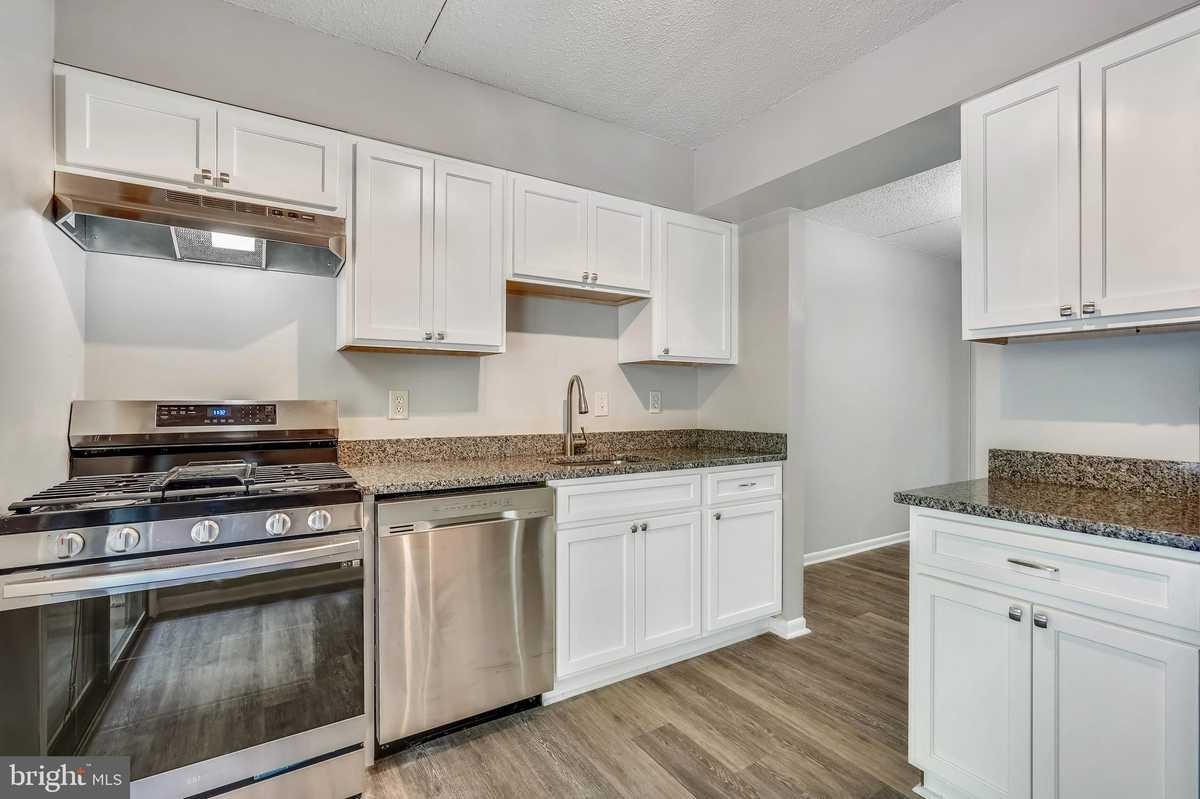 $245,000 - 1Br/2Ba -  for Sale in Lakeview, Reston