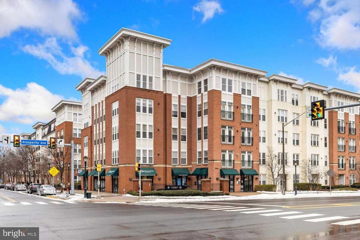 $319,000 - 1Br/1Ba -  for Sale in Halstead At The Metro, Fairfax