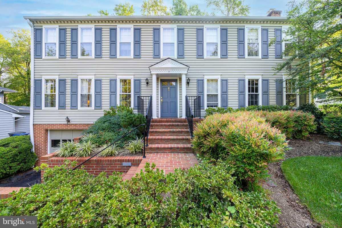 $1,160,000 - 5Br/3Ba -  for Sale in Marlborough, Falls Church