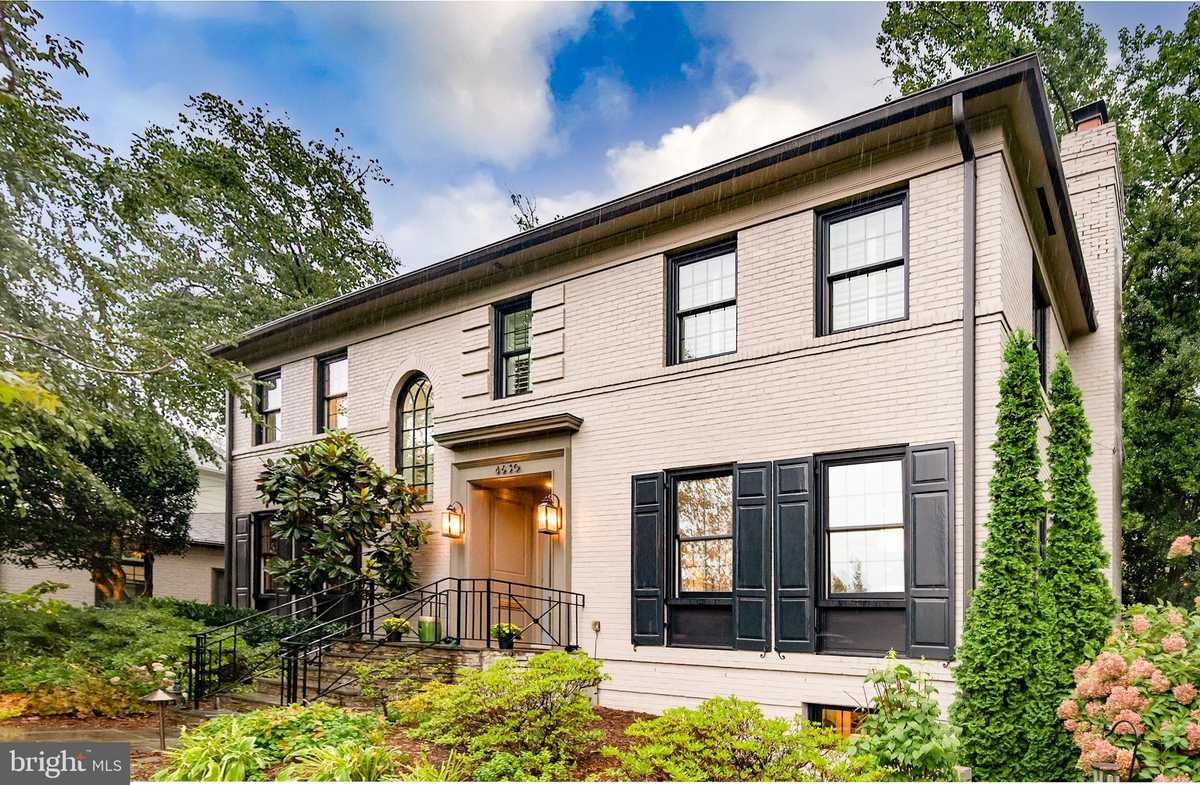 $2,250,000 - 4Br/5Ba -  for Sale in Country Club Hills, Arlington