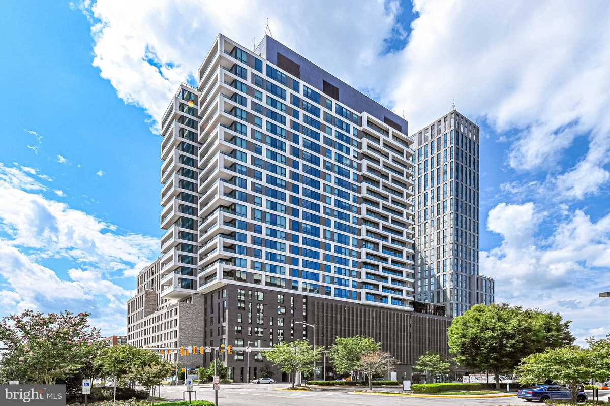 $699,990 - 1Br/2Ba -  for Sale in The Boro, Mclean