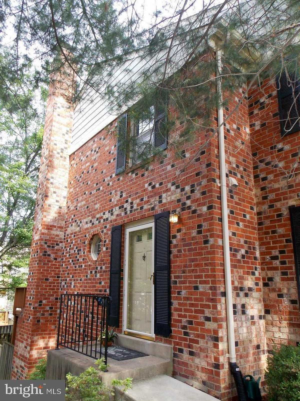 $2,600 - 3Br/3Ba -  for Sale in Country Creek, Vienna