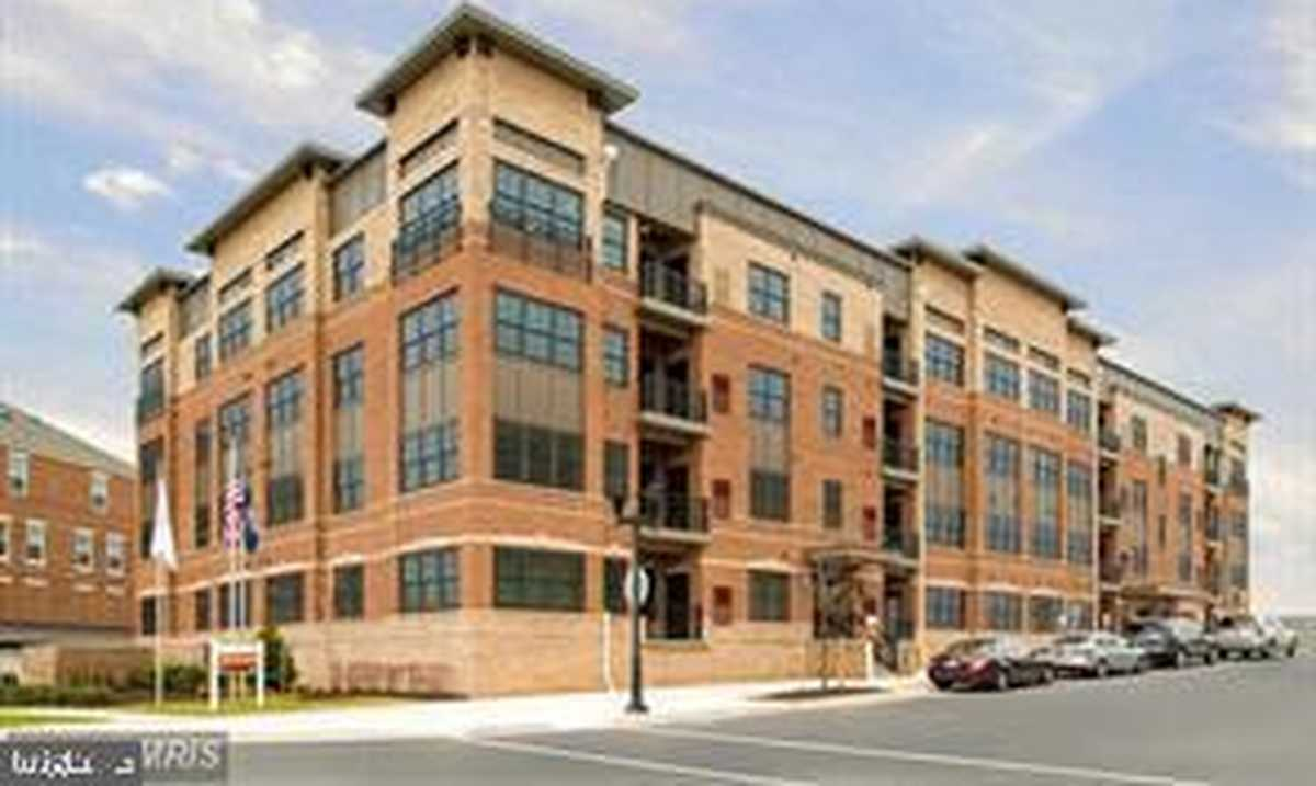 $595,000 - 2Br/2Ba -  for Sale in Flats At Metrowest, Fairfax