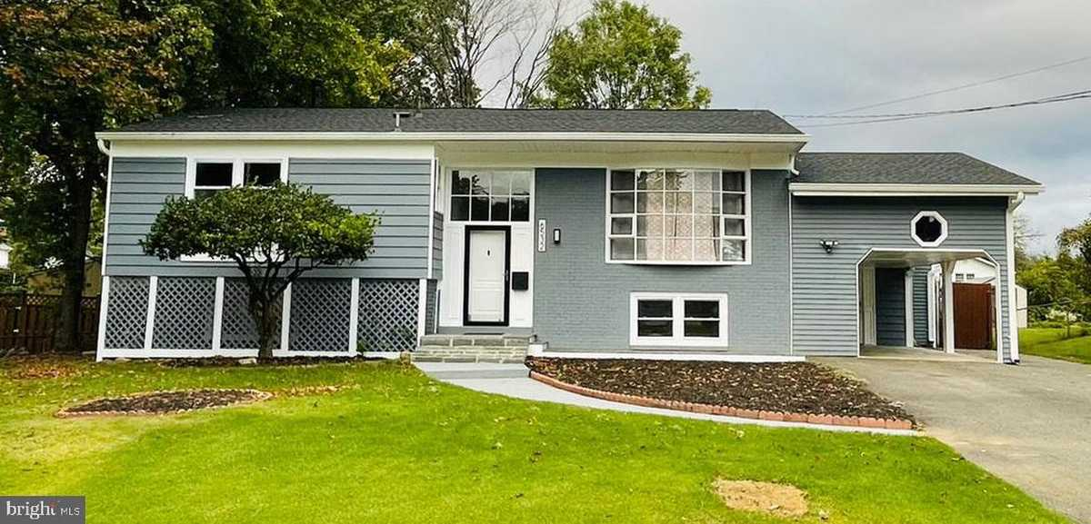 $715,000 - 6Br/4Ba -  for Sale in Monticello Woods, Springfield