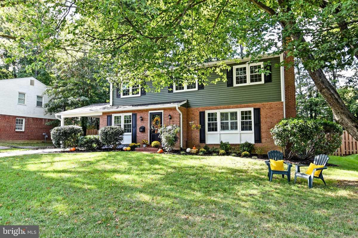 $695,000 - 4Br/3Ba -  for Sale in Riverside Estates, Alexandria