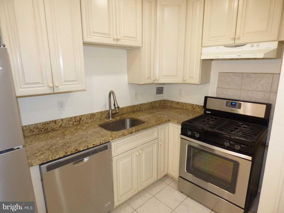 $259,900 - 2Br/2Ba -  for Sale in Lafayette Park Condominium, Falls Church