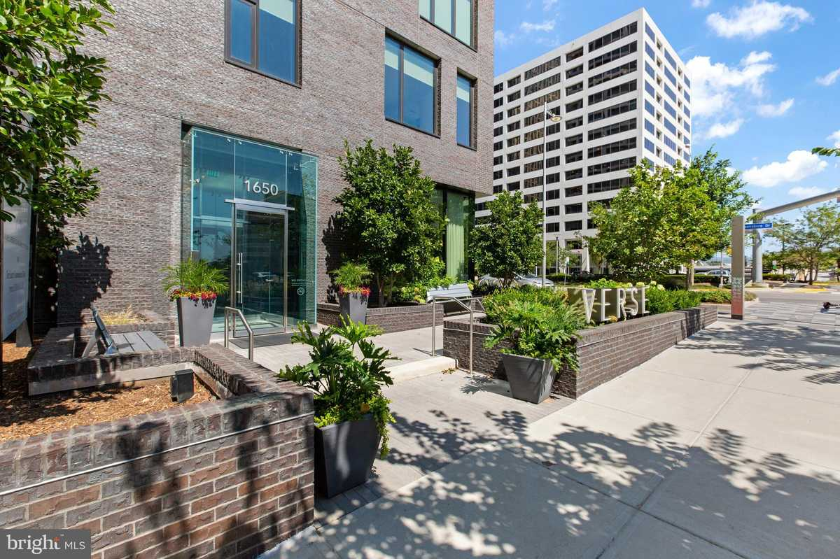$639,500 - 1Br/1Ba -  for Sale in The Boro, Mclean