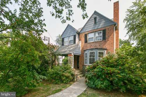 $349,000 - 4Br/3Ba -  for Sale in Lake Evesham, Baltimore