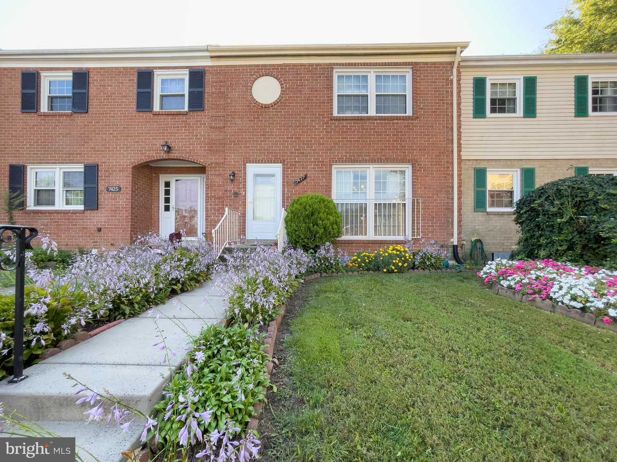 $430,000 - 3Br/4Ba -  for Sale in Royal Court, Annandale