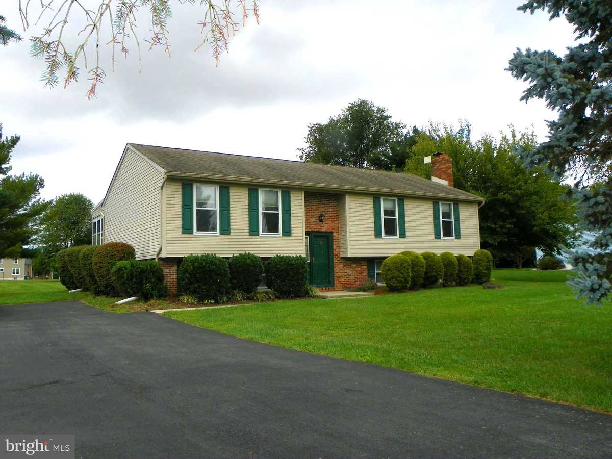 $340,000 - 4Br/3Ba -  for Sale in Airmont, Middletown
