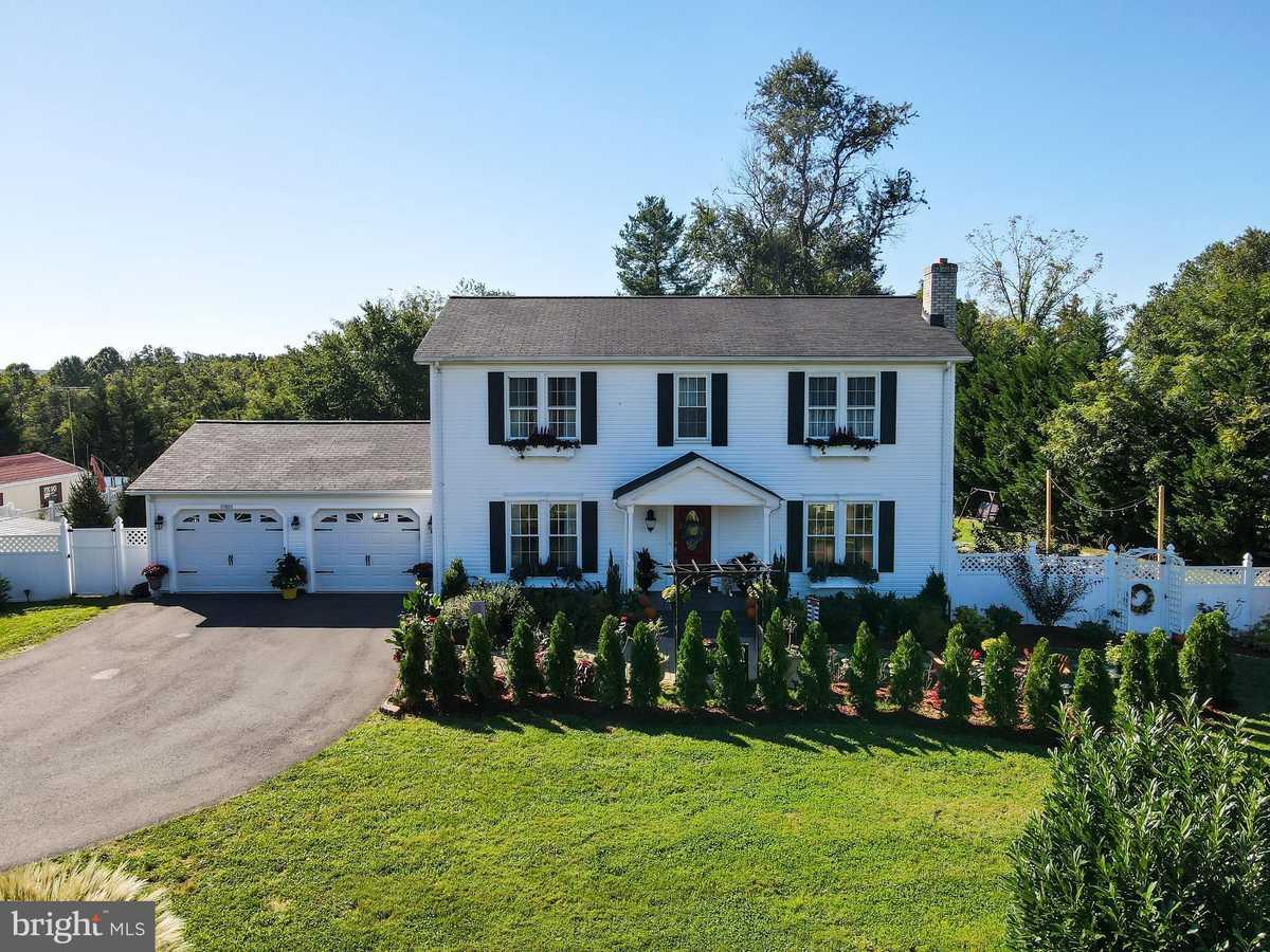$795,000 - 4Br/4Ba -  for Sale in Middleburg, Middleburg