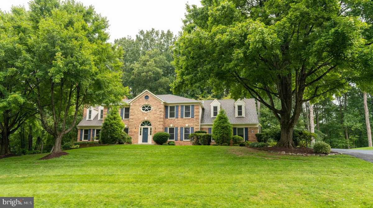 $1,100,000 - 6Br/5Ba -  for Sale in Holly Knoll, Great Falls