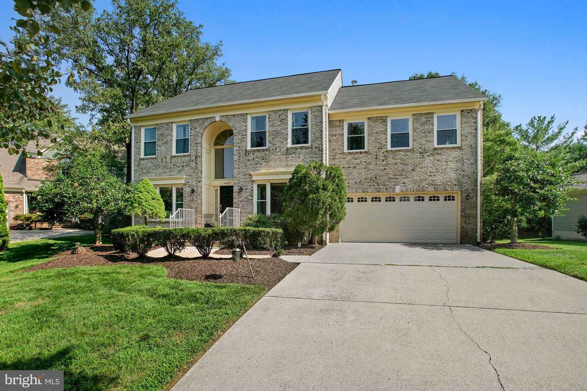 $950,000 - 5Br/4Ba -  for Sale in Clermont, Alexandria