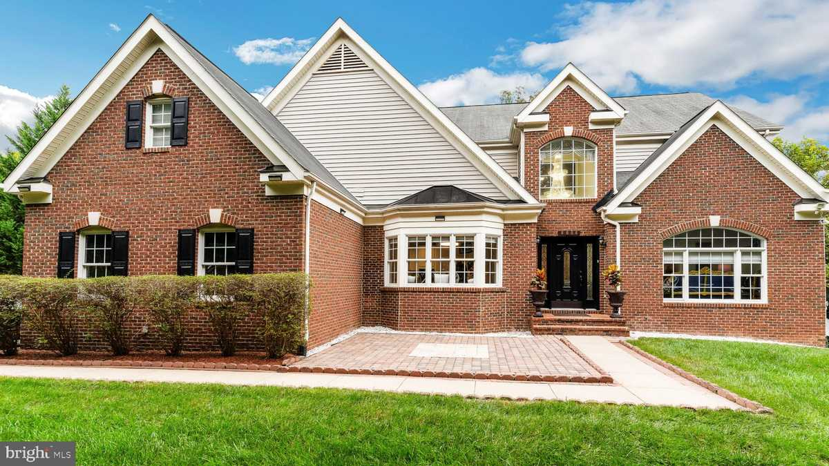 $1,059,000 - 7Br/6Ba -  for Sale in Pohick Estates, Springfield