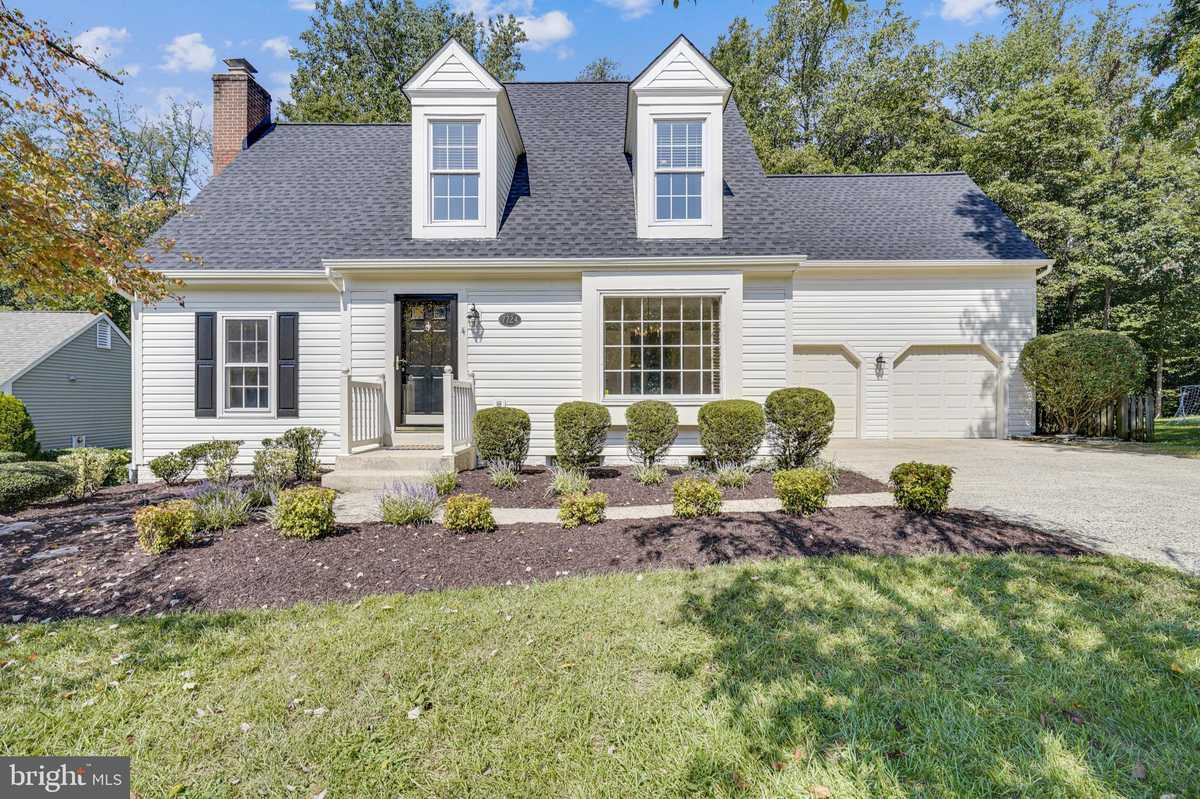$874,997 - 4Br/3Ba -  for Sale in South Run Forest, Springfield