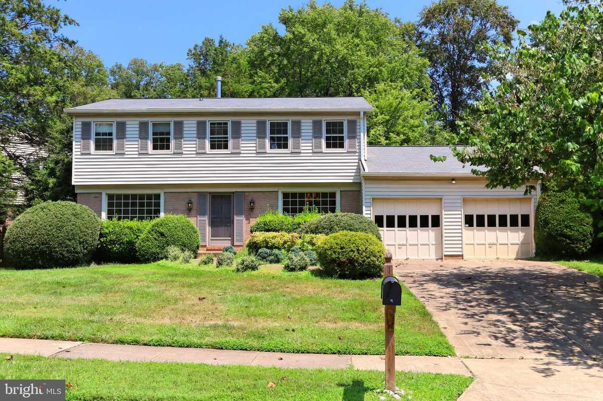 $724,950 - 4Br/3Ba -  for Sale in Villa D Este, Fairfax