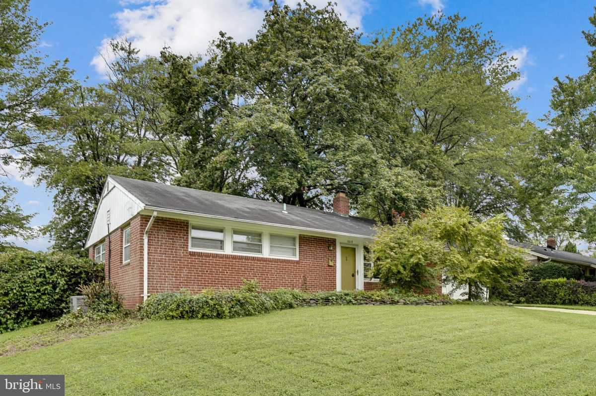 $499,999 - 3Br/1Ba -  for Sale in Ravensworth, Springfield