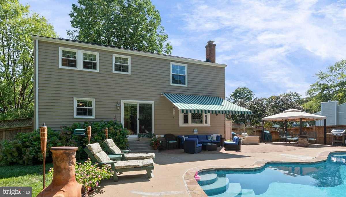 $625,000 - 4Br/3Ba -  for Sale in Terra Grande, Springfield
