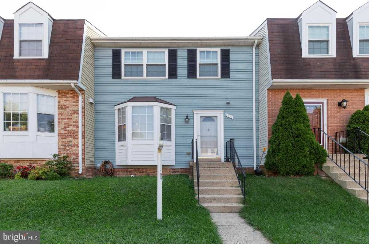 $475,000 - 3Br/4Ba -  for Sale in Devonshire Townhomes, Alexandria