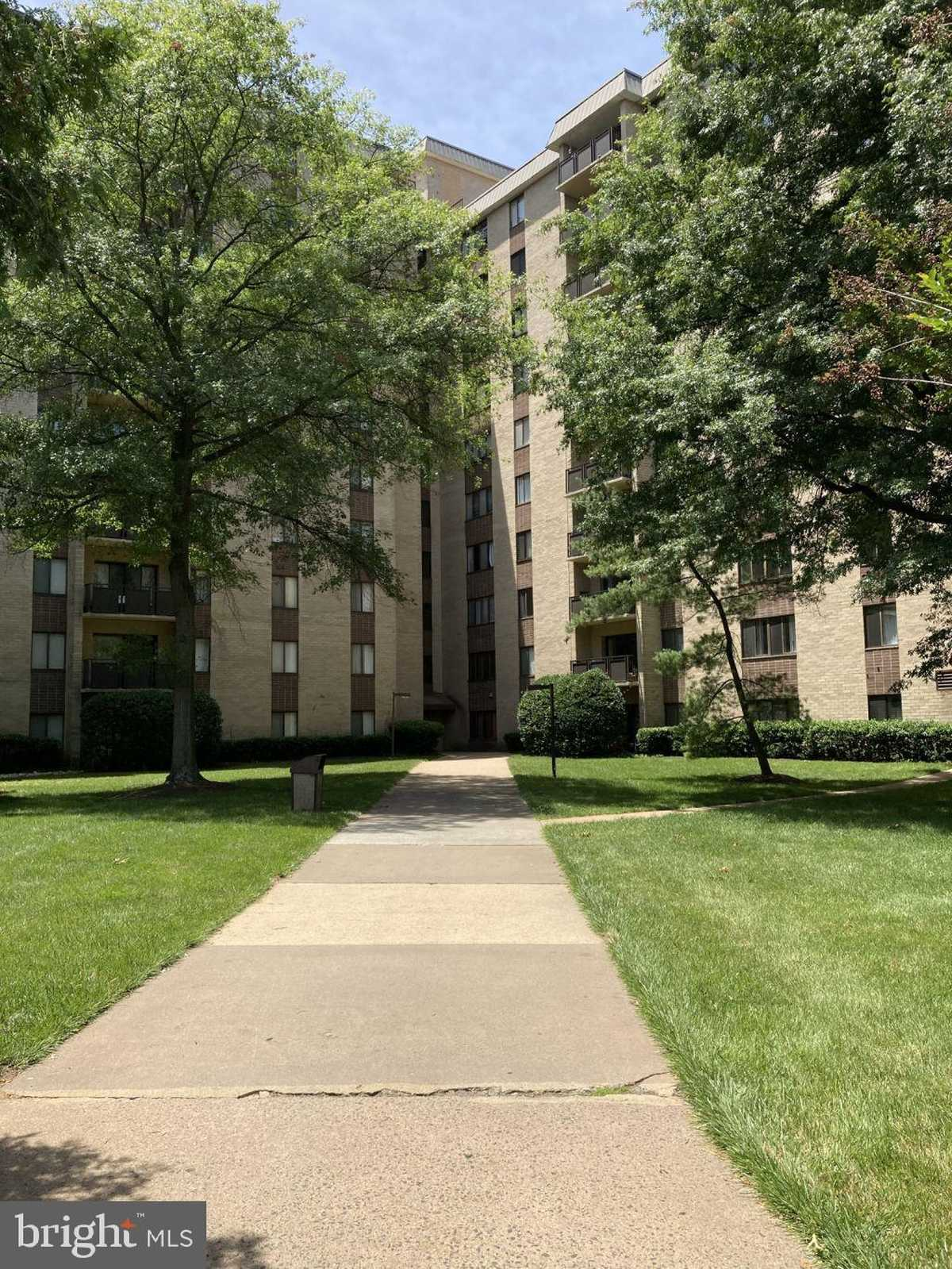 $245,000 - 2Br/2Ba -  for Sale in Woodlake Towers, Falls Church