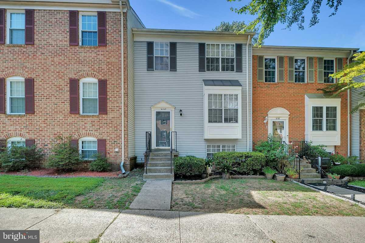 $584,900 - 4Br/4Ba -  for Sale in The Timbers, Springfield