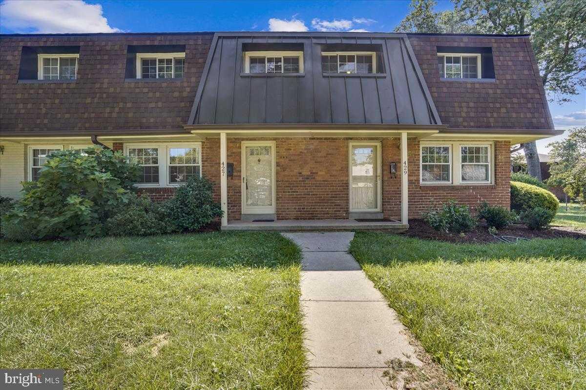 $479,900 - 3Br/2Ba -  for Sale in Winter Hill, Falls Church