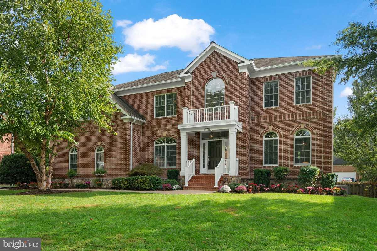 $1,399,000 - 6Br/6Ba -  for Sale in Sandburg Hill, Dunn Loring
