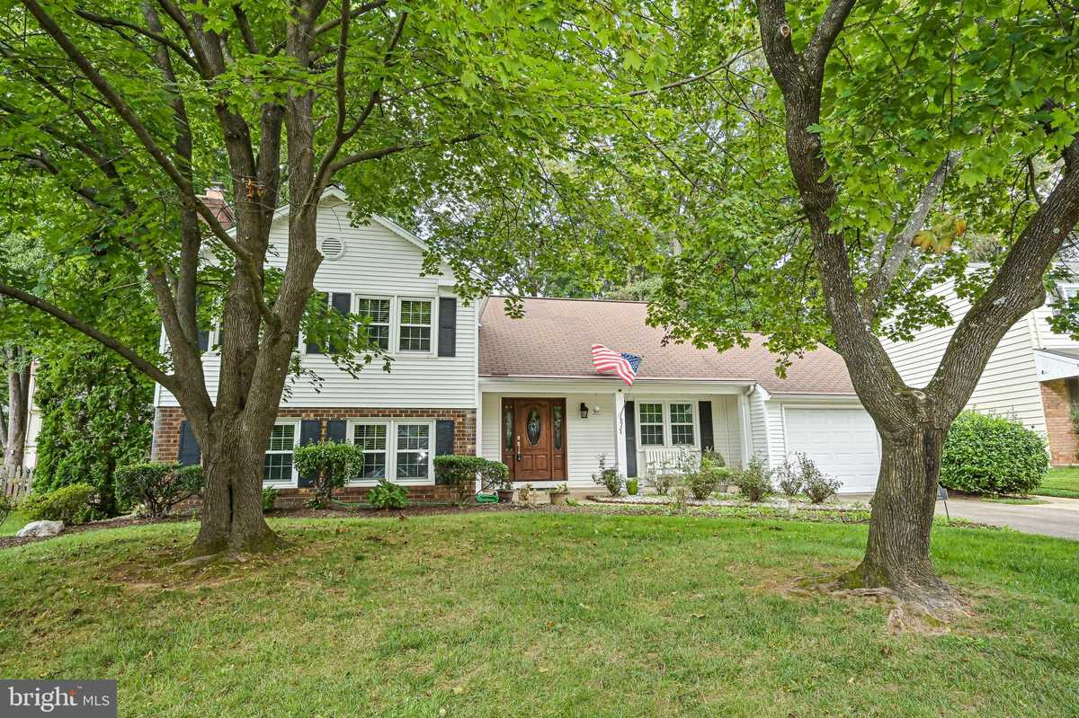 $649,900 - 4Br/3Ba -  for Sale in Signal Hill, Burke