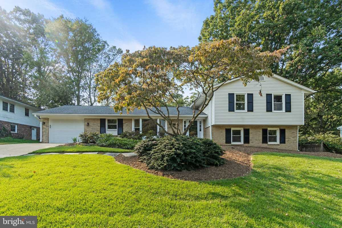 $874,500 - 5Br/4Ba -  for Sale in Tanglewood, Vienna